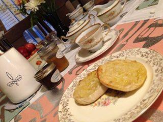 breakfast coffee English muffin